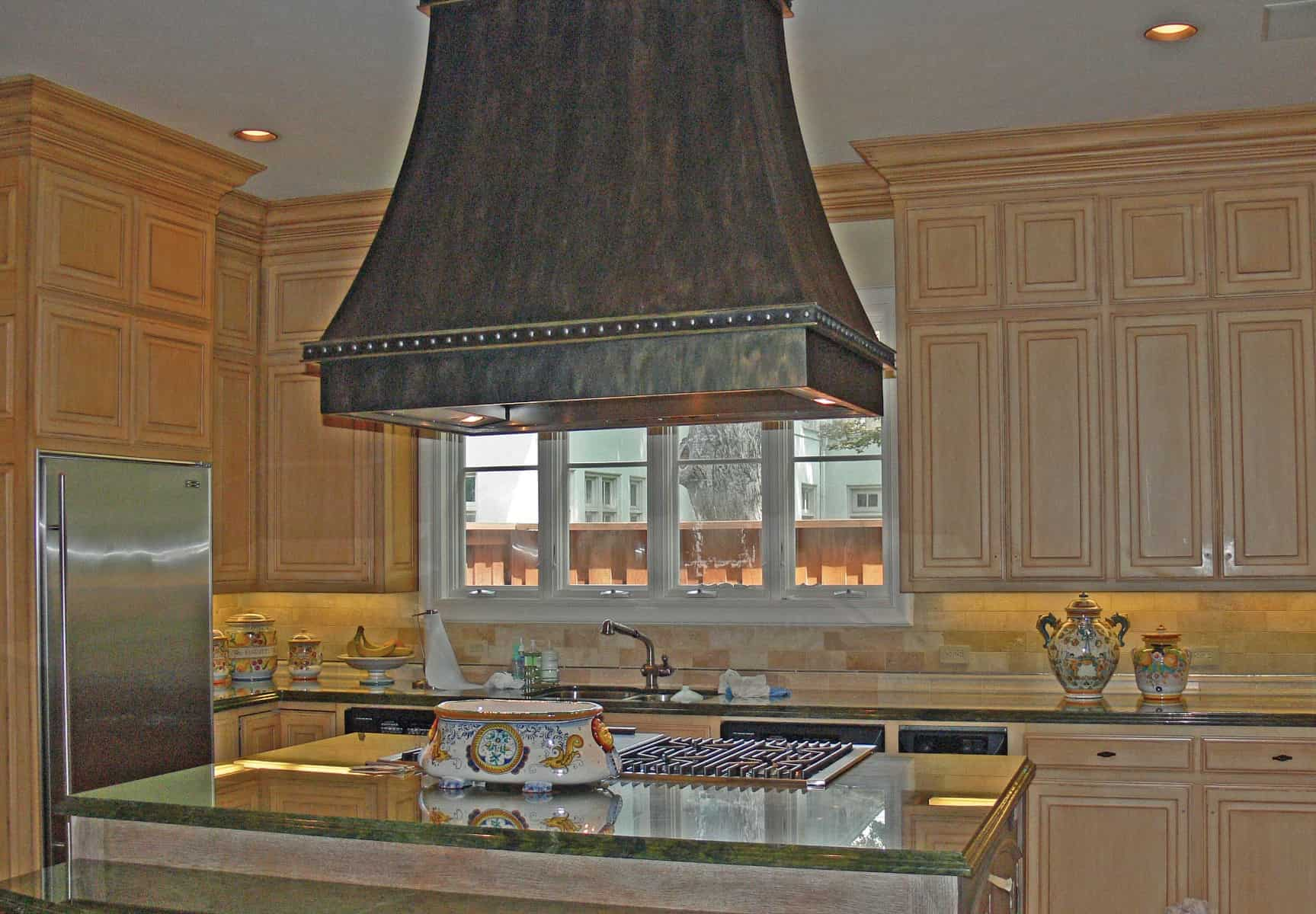 Uses of Exhaust Hoods #2: creative kitchen exhaust hood